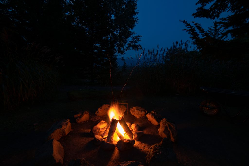 ニセコサヒナキャンプ場の焚き火