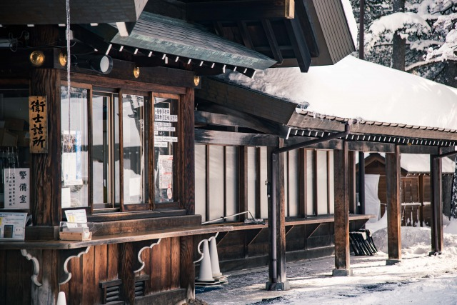 冬と春の北海道神宮の見どころ
