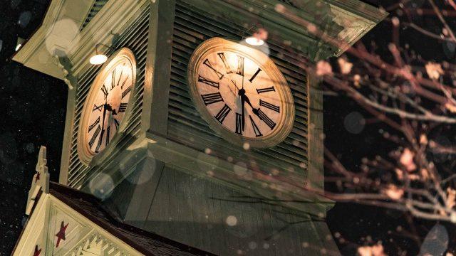 札幌時計台、がっかりしますよね。でも冬の夜の写真は最高なんです。