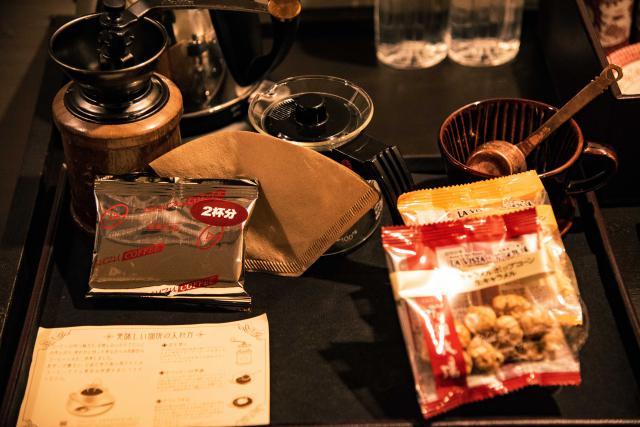 冒頭でTwitterのつぶやきでも載せましたが、各部屋に豆から挽けるコーヒーセットも。