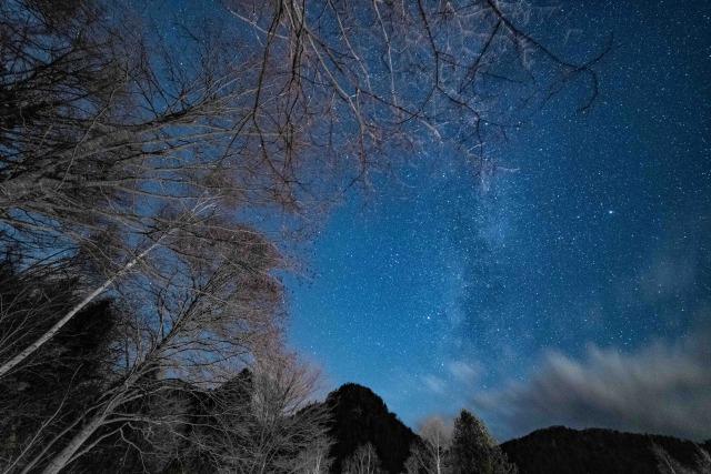 SAMYANG F2.8 14mm 札幌のキャンプ場の星空