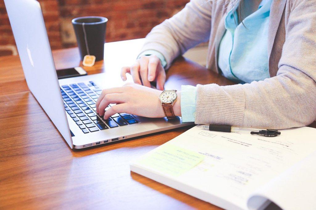 良い転職先を探すには、転職サイト