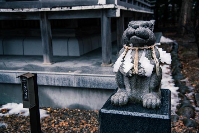 湯倉神社は、なでうさぎがおすすめ