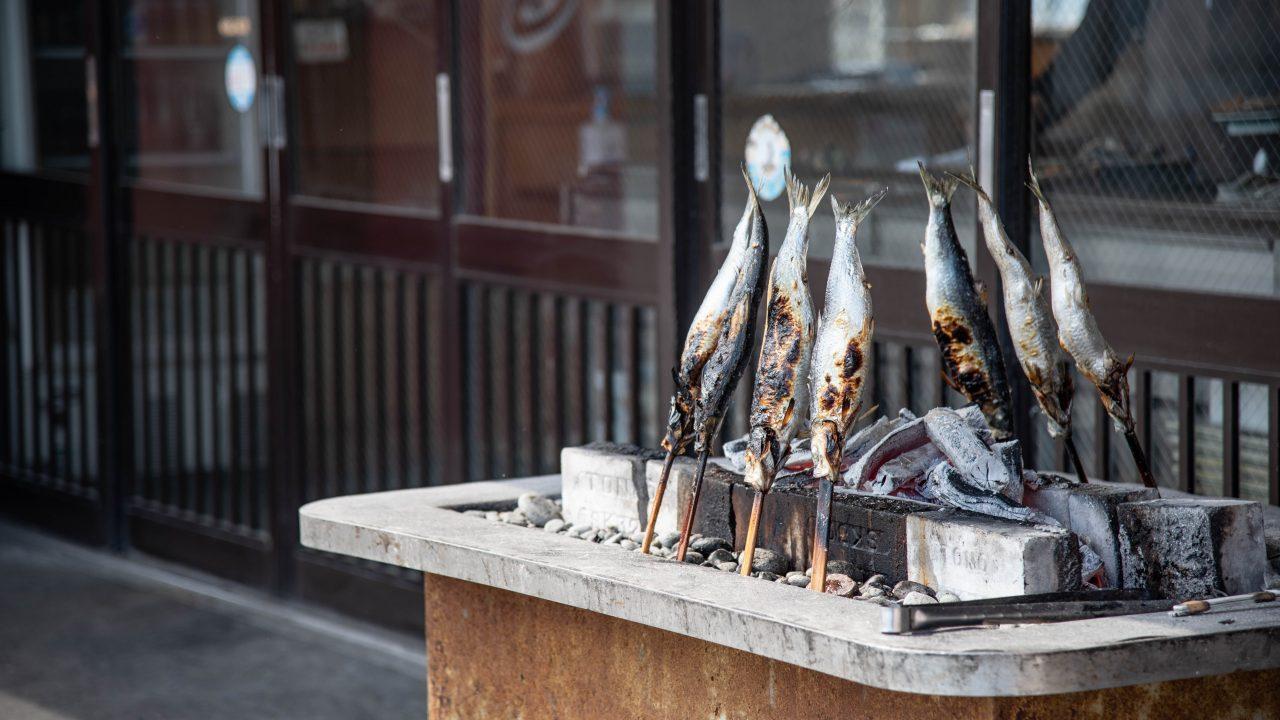 民宿・青塚食堂  メニューの焼きニシンがでかくて美味くて最高
