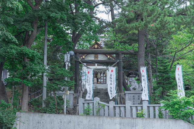 手稲神社の境内の風景写真