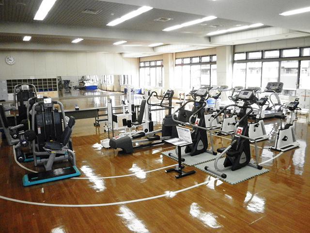 東健康づくりセンター:運動フロア マシンエリア