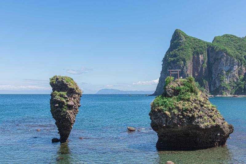 余市町の夫婦岩、「えびす岩」と「大黒岩」とは