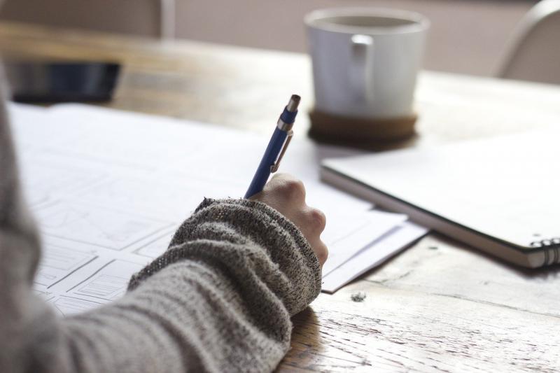 読みにくい文章の例と、具体的な改善法