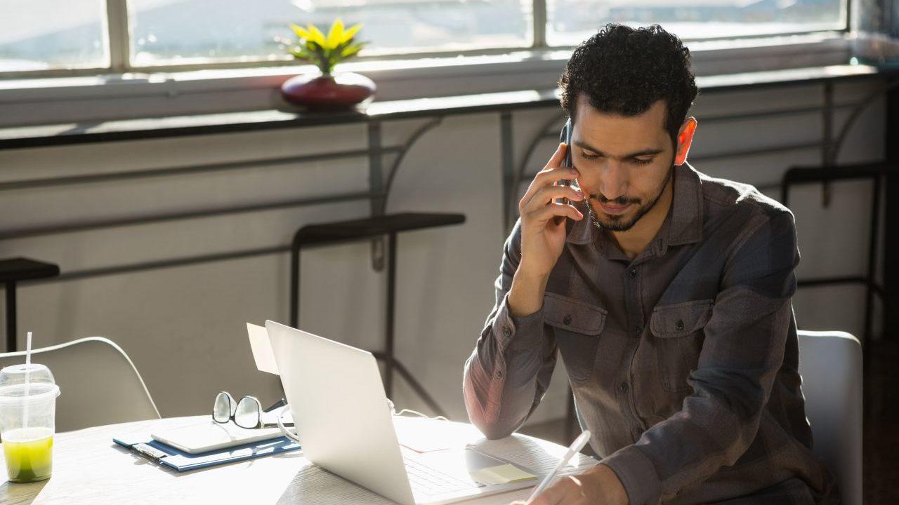 会社を辞めたいときは誰にも相談しない方がいい。上司も先輩もただの他人だよ