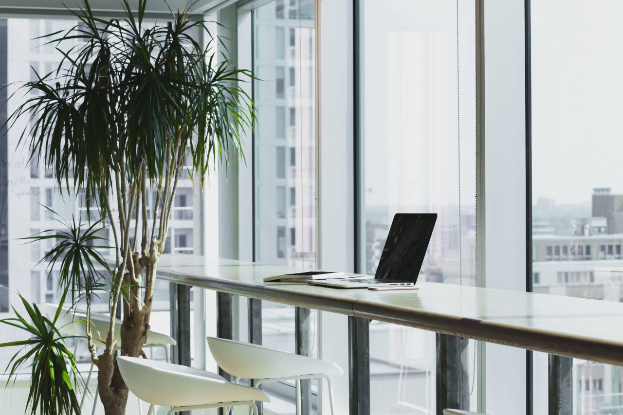 アパレルからの転職におすすめな業種は、IT関係